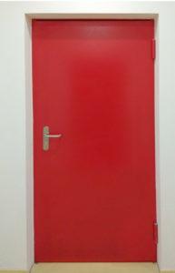 Puerta de acero roja