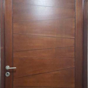 Muestra puerta de okume con tinta en nogal